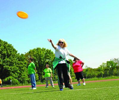 Frisbee toss.
